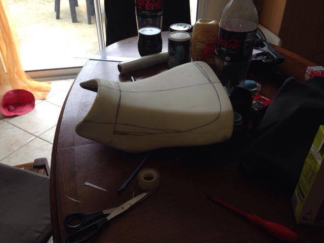 tuto ou presque comment creuser une selle moto m canique moto. Black Bedroom Furniture Sets. Home Design Ideas