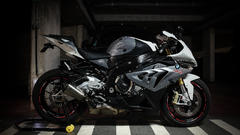 BMW S1000RR 2014 - Right view